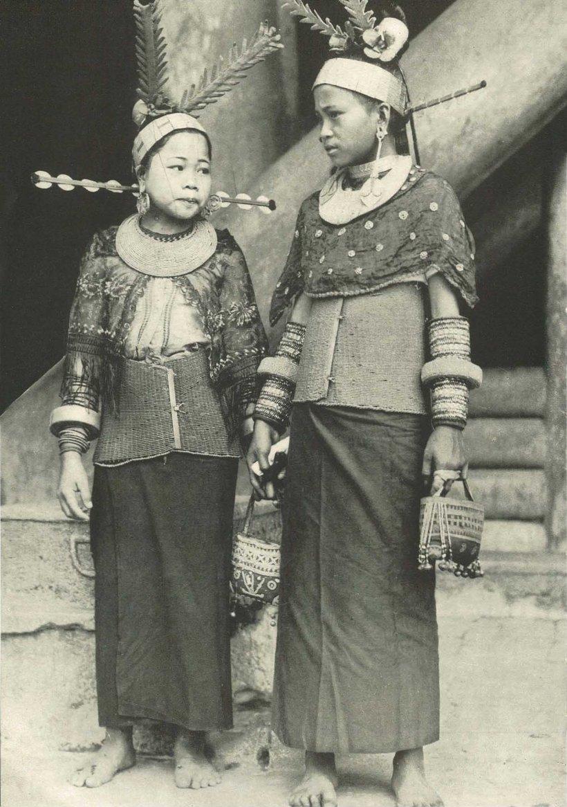 Wanita Bawamalu di Nias